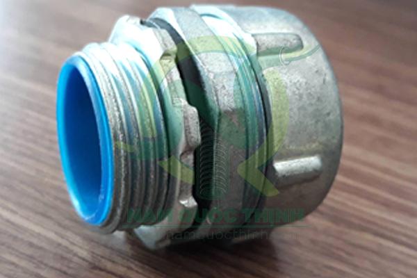 Đầu nối ống mềm kín nước vào box
